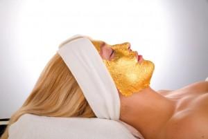 Gambar emas 24 karat yang digunakan untuk facial