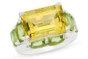Gambar emas kuning yang bagian pinggirannya dihiasi emas hijau