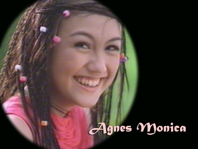 Beberapa Foto Imut Agnes Monica Ketika Masih Kecil