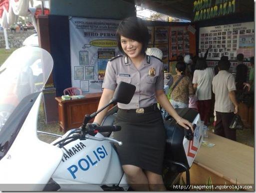 CANTIKNYA POLWAN INDONESIA (10)